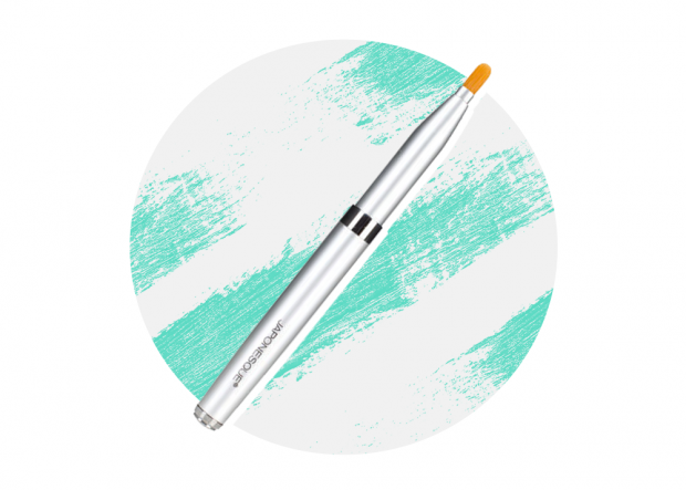 japonesque brush preen