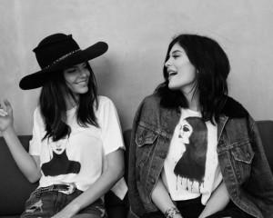 Kendall Jenner Kylie Jenner Preen