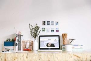 Graphic designer and blogger Melissa Gatchalian's desk set-up.