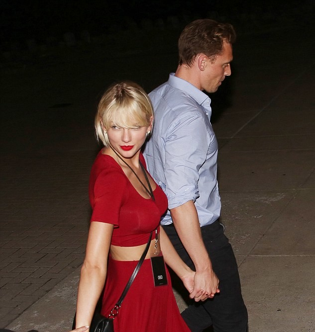 Taylor Swift And Tom Hiddleston Went On A Date At A Selena Gomez