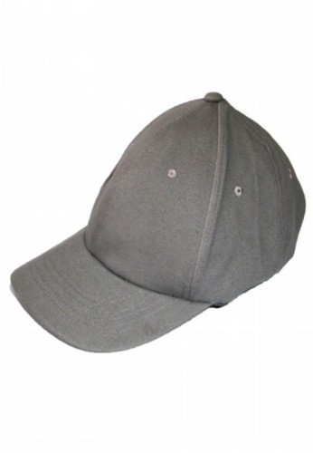 6e6bbf63113 How to Wear Your Dad s Favorite Baseball Cap - Preen.ph
