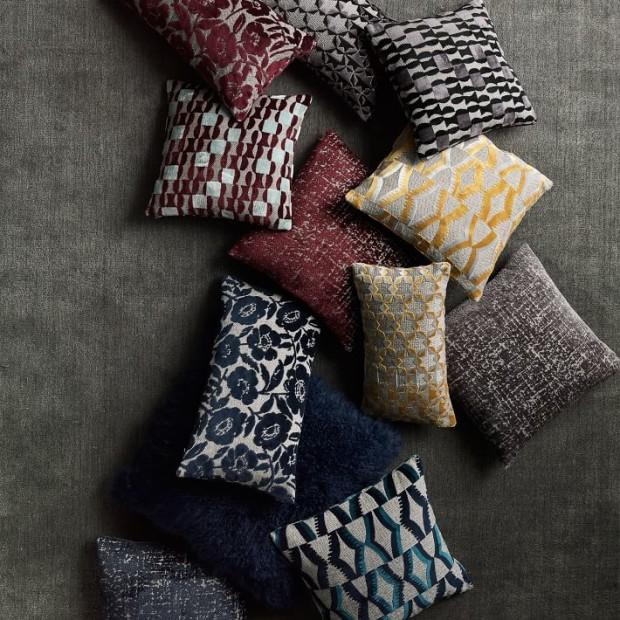 jacquard-velvet-geo-pillow-cover-burgundy-o