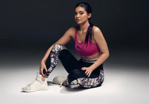 kylie jenner sports shoes