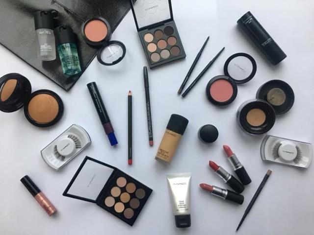 MACCosmetics_MissUniverse_MakeupKit