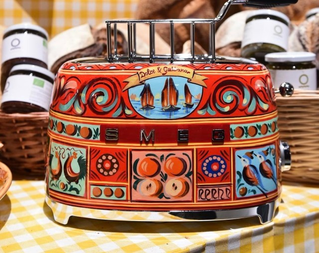6cafd632f52c This Luxury Italian Label Designed the Toaster and Coffee Machine of ...