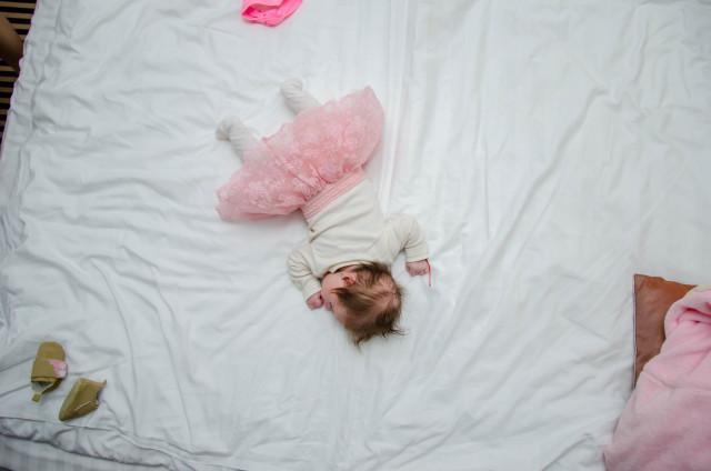 sleeping baby_momhood