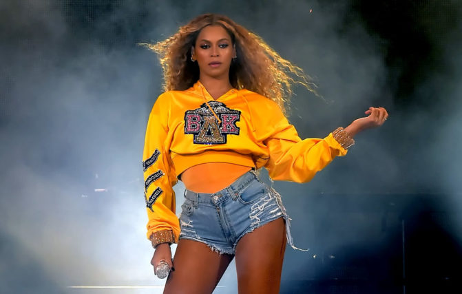 Beyonce's wardrobe malfunction didn't stop her from performing at Coachella