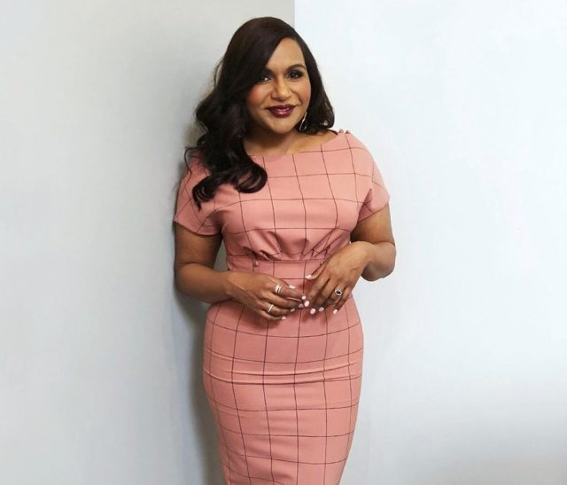 Mindy Kaling Had To Lie About Her Pregnancy While Shooting Ocean S 8 Preen Ph