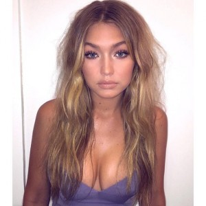 Gigi Hadid Shows Off Her Toned Bod On New 'Vogue' Paris Cover
