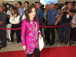 WATCH: Toned Down Dress Code on the SONA 2016 Red Carpet