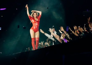 Watch This Concert Goer Ignore Beyoncé for Pokemon Go