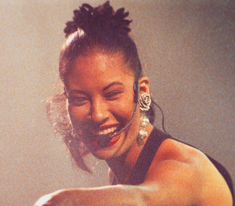 Fans have a lot of feelings about Netflix's new series based on Selena Quintanilla's life